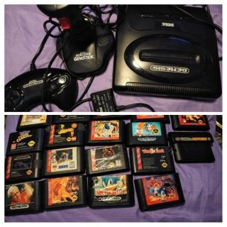 OLD SCHOOL SEGA GENESIS CONSOLE AND 18 GAMES,CONTROLLER AND JOYSTICK