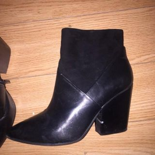 Vince C leather boot size 10