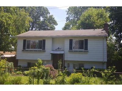 Preforeclosure Property in Wyandanch, NY 11798 - S 34th St