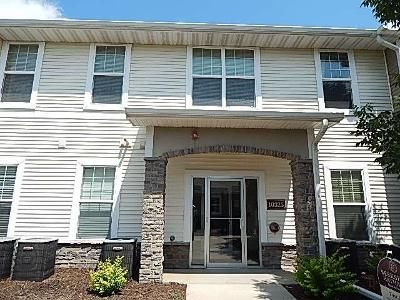 2 Bed 2 Bath Foreclosure Property in Johnston, IA 50131 - Providence Dr Unit 107