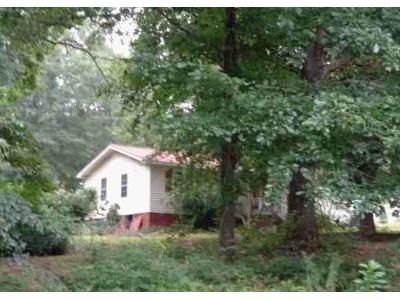 3 Bed 2 Bath Foreclosure Property in Jefferson, GA 30549 - Carruth Rd