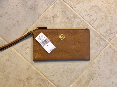 Michael Kors wristlet- New With Tags!