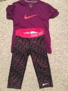 Kids Nike outfit size small