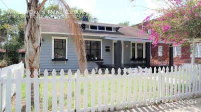 Adorable Bungalow Style Home in Ybor Heights 3/2, Completely Fenced!