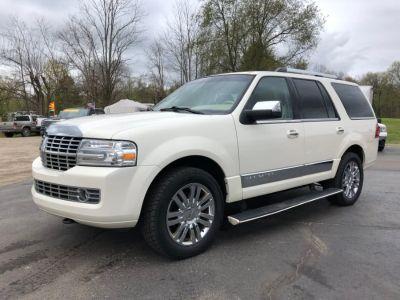 2007 Lincoln Navigator Luxury (White)