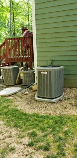 Lennox Air Conditioner with ground pad (2) Available