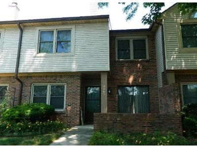 2 Bed 1.5 Bath Foreclosure Property in Indianapolis, IN 46268 - Maple Way