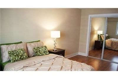 3 bedrooms Apartment - Even with Northwestern nearby.