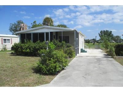2 Bed 2 Bath Foreclosure Property in Naples, FL 34112 - Charlemagne Blvd