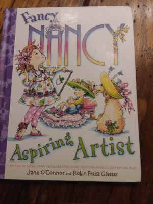 Hardcover Fancy Nancy Aspiring Artist, VERY GOOD USED CONDITION