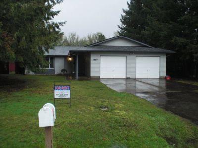 Single-family home Rental - 3849 Neer St SW