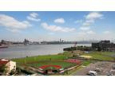 Spacious 1 BR Apartment for Rent at Hudson Harbour Condos in Edgewate...