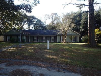 4 Bed 2.0 Bath Preforeclosure Property in Mobile, AL 36695 - Squire Ln