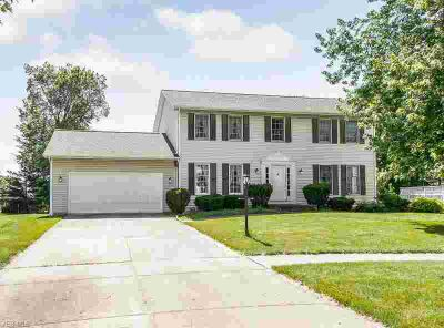8962 Chapman Cir STRONGSVILLE, This one owner Four BR