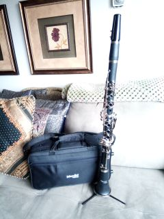 Mendini by Cecilio Ebonite B Flat Student Clarinet with Case D-MCT-E Like New