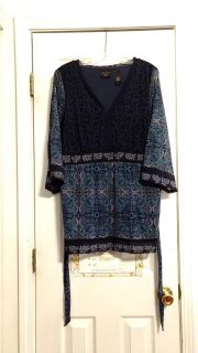 EUC, polyester top by Axcess/Liz Claiborne company. Size 1X. Asking $3.00
