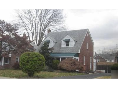 3 Bed 1.5 Bath Foreclosure Property in Folsom, PA 19033 - Belmont Ave