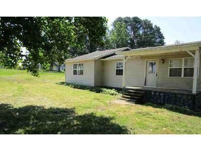 3 Bed 1 Bath Foreclosure Property in Cullman, AL 35058 - County Road 1605