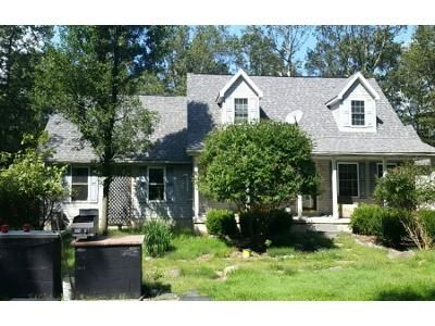 3 Bed 2 Bath Foreclosure Property in Jim Thorpe, PA 18229 - Bayberry Rd