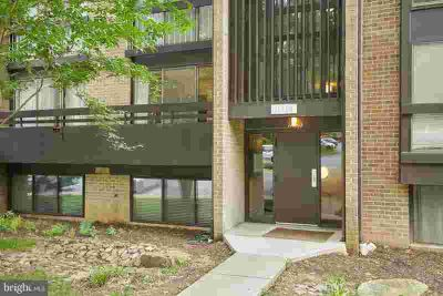 11560 Rolling Green CT #100 Reston Two BR, Unbelievable Kitchen