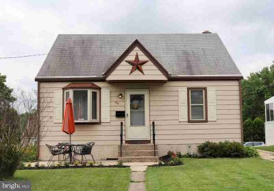 891 N Adams St POTTSTOWN Two BR, Absolutely adorable home in