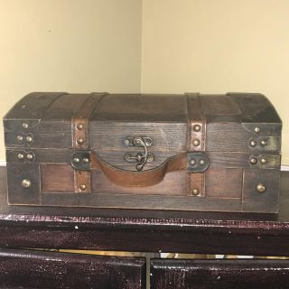 Vintage AWESOME Hinged Wooden Box w/Hook Clasp & Curved Top Leather Accents/Handle ~ VGUC!!!