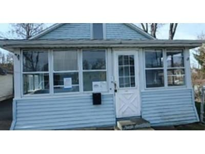 2 Bed 1 Bath Foreclosure Property in Rensselaer, NY 12144 - Highland Ave
