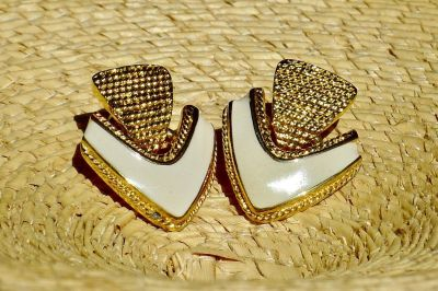 Vintage Arrow Deseign TRAFARI Earrings