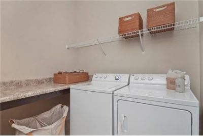 Pet Friendly 1+1 Apartment in Charlotte. Pet OK!