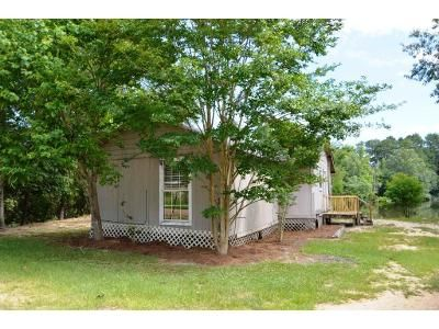2 Bed 1 Bath Foreclosure Property in Braxton, MS 39044 - Lakeside Dr