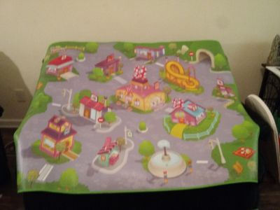 Kid's Minnie mouse play mat