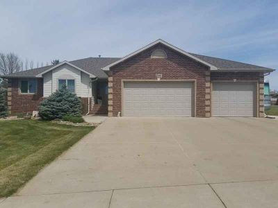 1106 W 20th Dickinson, Wonderful ranch style home with 3
