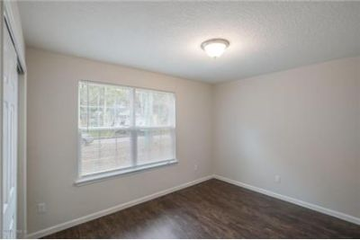 4 bedrooms Apartment - Large & Bright