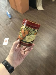 Vintage tin with no lid
