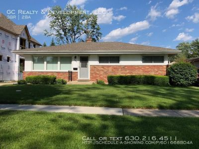 3 bedroom in Mt. Prospect