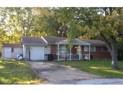 3 Bed 1 Bath Foreclosure Property in High Ridge, MO 63049 - Center Dr