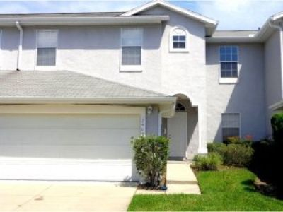 LOVELY 3 BR VILLA WAITING FOR YOU TO MAKE IT HOME!