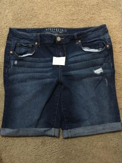 Excellent condition. Errol postal Jean shorts size 16. Pet friendly home. Cross posted.
