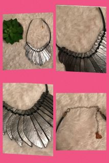 Love Poppy brand necklace ppu
