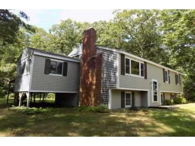 3 Bed 1 Bath Foreclosure Property in Carver, MA 02330 - Lucas St