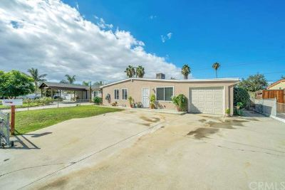 13242 18th Street Chino Three BR, SINGLE STORY Home Located on a