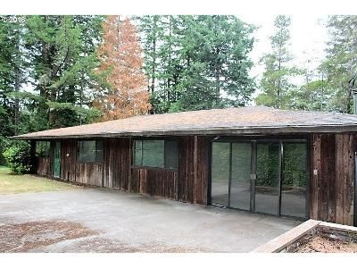 3 Bed 2 Bath Foreclosure Property in Coos Bay, OR 97420 - Hill Grade Dr
