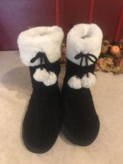 Dearfoam Slippers Womens Size Large 9-10 Not perfect but comfy with a lot of life left ONLY $1.00