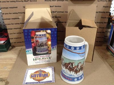 """1995 BUDWEISER """"Lighting the Way Home"""" Holiday Stein"""