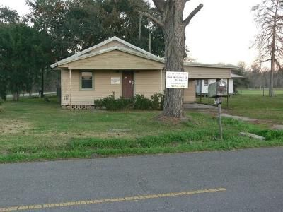 3 Bed 1 Bath Foreclosure Property in Chauvin, LA 70344 - Bayouside Dr