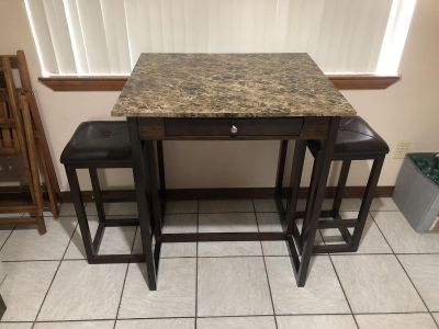 EUC High Top Table with 2 bar stools