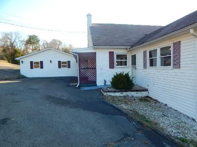 4 Bed 1 Bath Foreclosure Property in Shamokin, PA 17872 - Didiums Ln