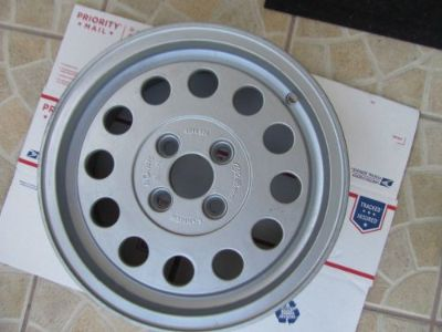 Purchase ALFA ROMEO ALLOY WHEEL 2 motorcycle in Valrico, Florida, United States, for US $65.00