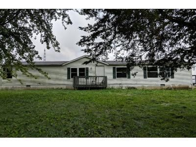 Preforeclosure Property in Wapakoneta, OH 45895 - Boundry Rd