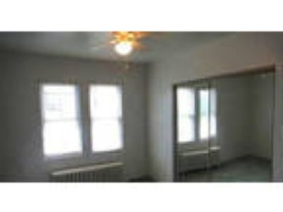 Nice 2 BR, 1st floor Duplex Apartment in Richland.